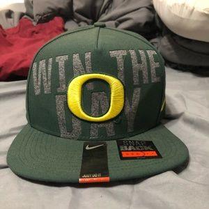 Oregon Ducks - Win The Day Snapback (Nike)